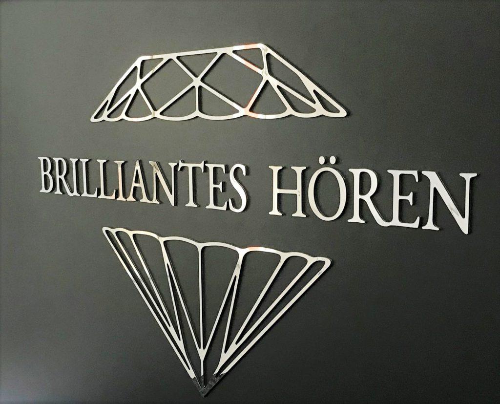 3D Logo mit Spiegelglanz